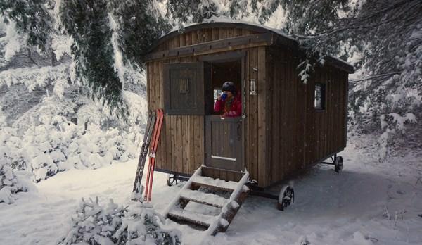 Cabana-Kayak-Cafe-Shepherd's-Hut