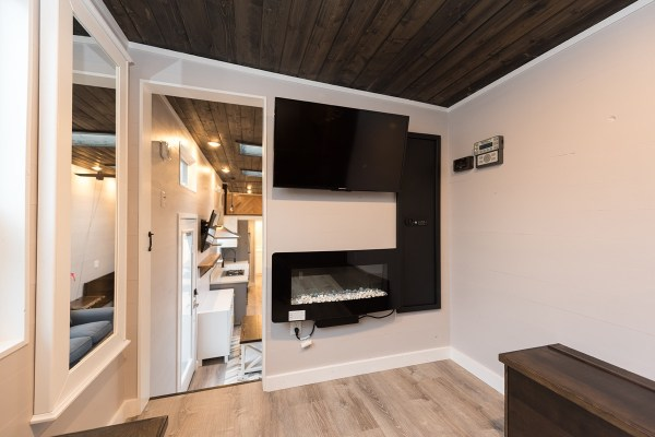 Cayman Tiny House by Tiny Innovations 0011