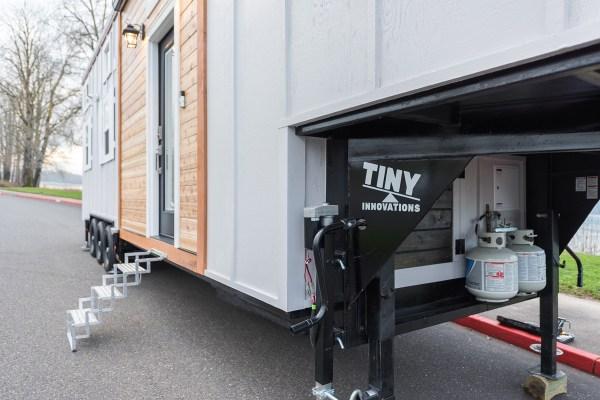 Cayman Tiny House by Tiny Innovations 0016