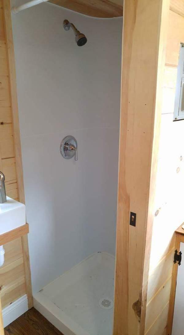 cedar-shake-tiny-house-connecticut-009