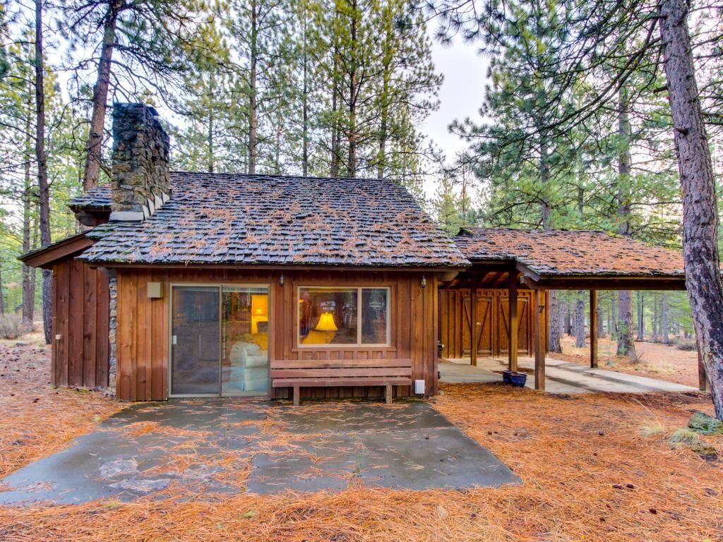 Little sunriver cabin in central oregon for Small houses oregon