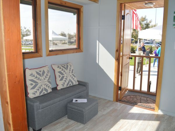 college-of-the-sequoias-construction-technology-students-win-awards-for-tiny-home-7