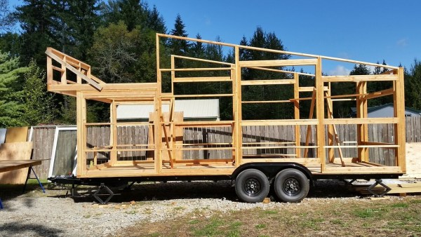 construction-of-the-daniel-miller-tiny-house-003