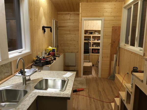 construction-of-the-daniel-miller-tiny-house-024