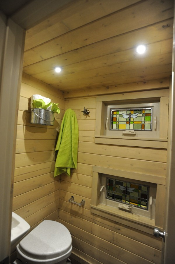Tiny Home Designs: Contemporary Dragonfly Tiny House For Sale