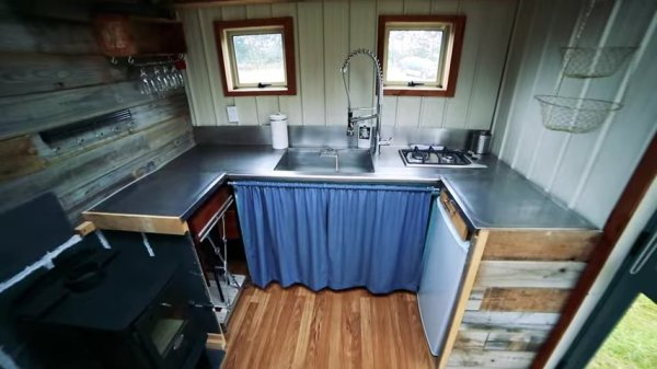Cori and Patricks DIY Tiny House on Wheels Built with Mostly Recycled Materials in New Zealand 002