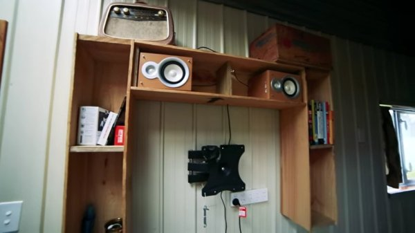 Cori and Patricks DIY Tiny House on Wheels Built with Mostly Recycled Materials in New Zealand 005