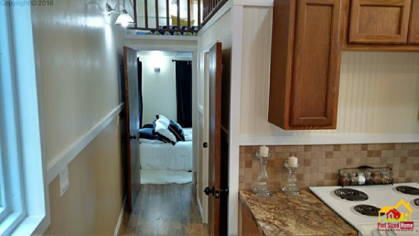 country-pint-sized-tiny-home-008