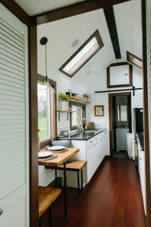 Couples Luxury Tiny Heirloom Home On Wheels