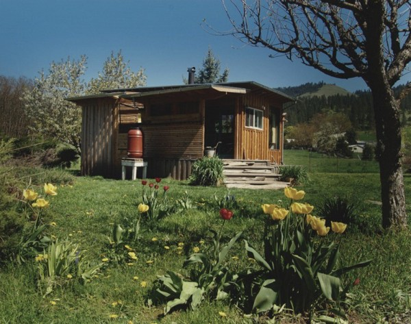 Couples Off-Grid Cabin 0012