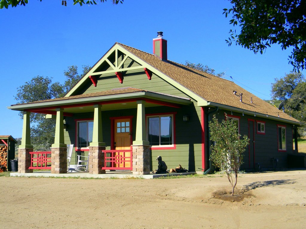 Off The Grid Bungalow In Southern California