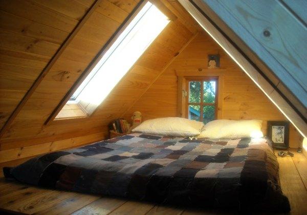 Dee Williams Kozy Kabin Tiny House Loft