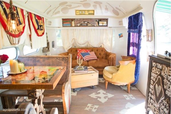 Dierks-Bentley-Vintage-American-Airstream-002