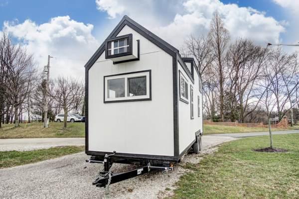 Domino Tiny House by Modern Tiny Living_004