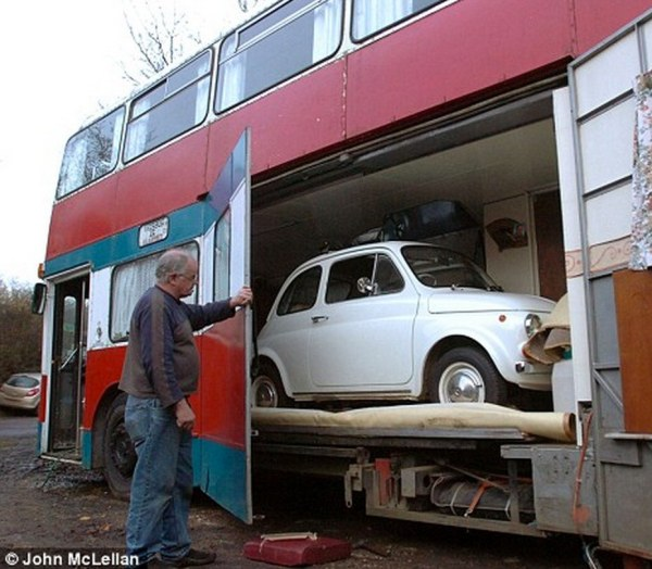 Double Decker Bus Conversion with 'Garage' for Tiny Car 02