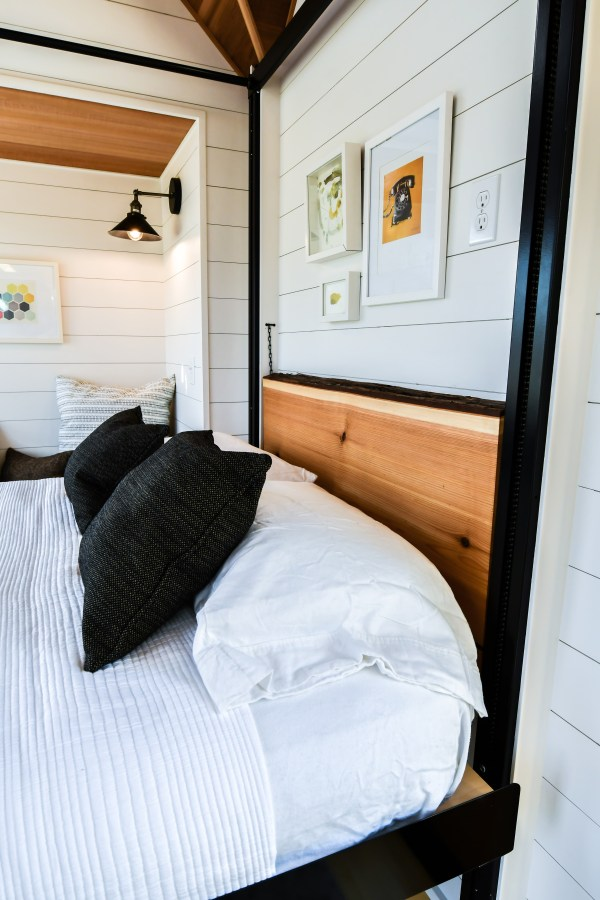 Downstairs Bedroom in a Tiny House Thanks to Elevator Bed