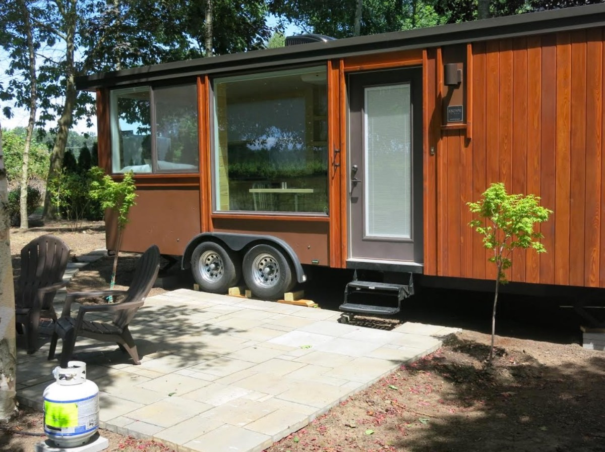 Escape vista tiny house vacation in oregon - Small houses wheels home getaway ...