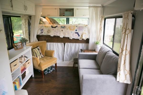 Familys Bus Tiny Home 0017