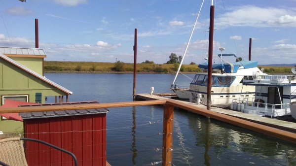 Floating Cottage For Sale in Portland 0012
