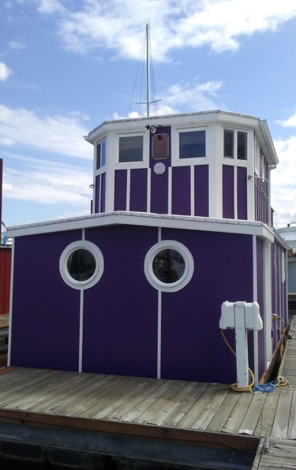 Floating Cottage For Sale in Portland 0015