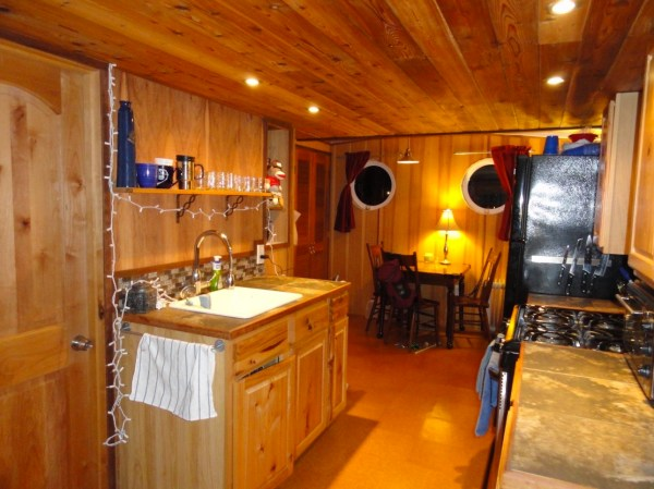 Floating Cottage For Sale in Portland 004