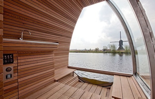 Free Floating Tiny Home in the Netherlands 004