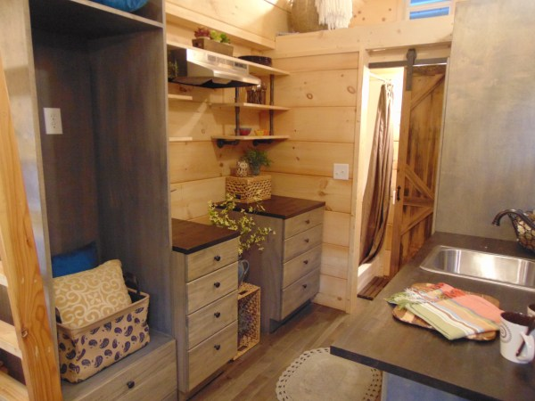 gorgeous-rookwood-cottage-by-incredible-tiny-homes-003