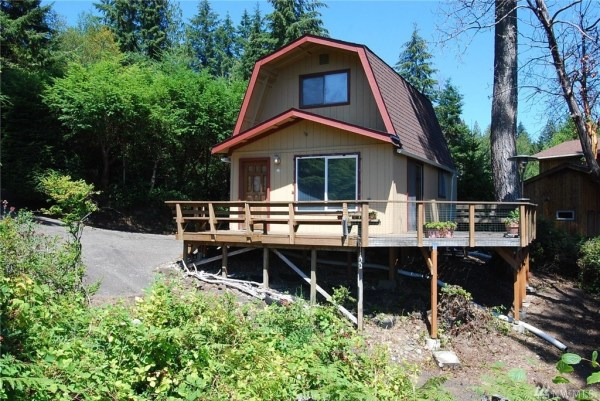 Grapeview Cabin 001