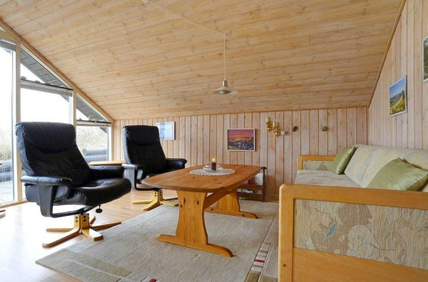 Grass Roof Cottage-007