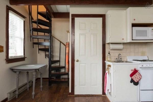 Harrisonburg's Tiny House 008