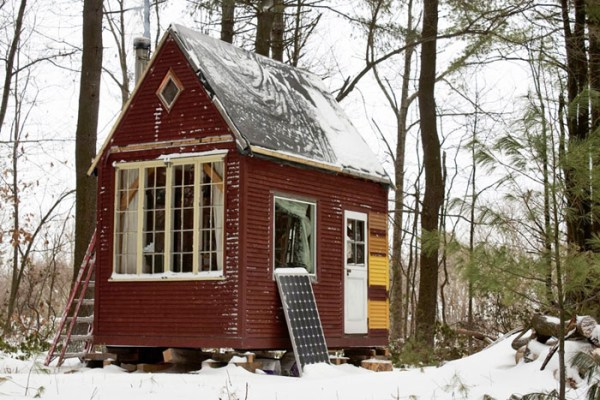 Man Builds 100 Sq. Ft. Timber Frame Tiny House