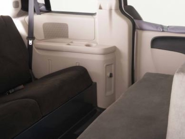 Jucy Dodge Caravan to Motorhome Conversion Camper Mini RV 0024