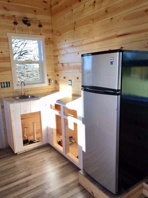 knotty-pine-midwest-tiny-home-3