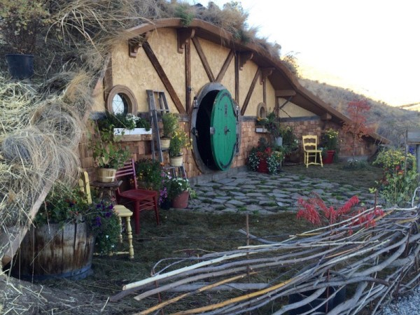 Kristie Wolfe Hobbit Hole Tiny Cabin in the Washington Mountains 001