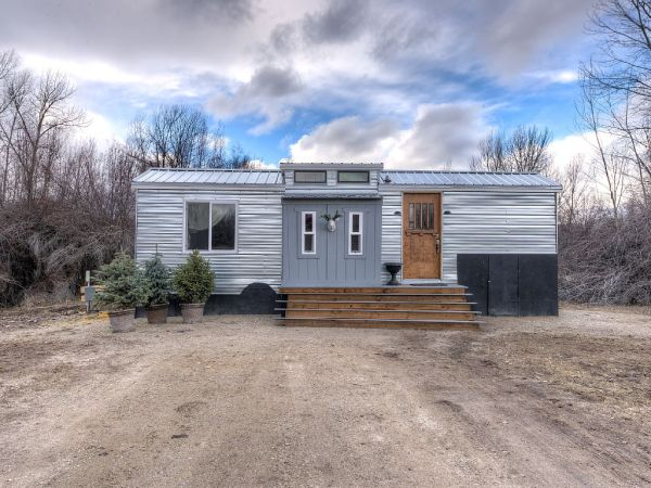 Lewis & Clark's Tiny House Vacation Rental 001