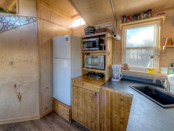 Lewis & Clark's Tiny House Vacation Rental 004