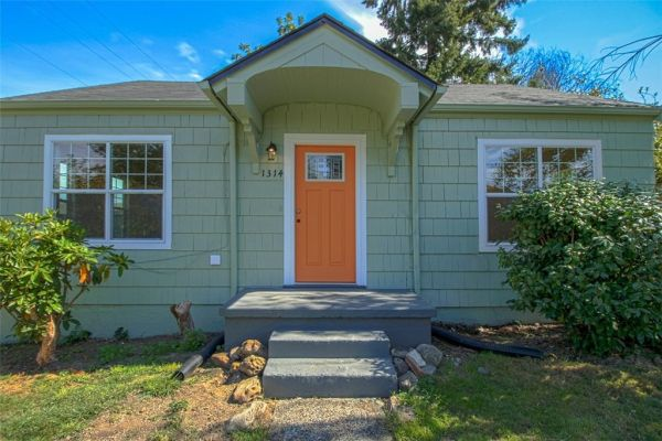 little-bungalow-in-olympia-for-209k-002