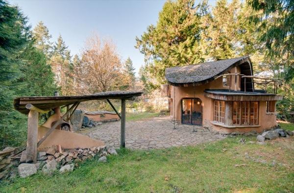 Little-Fairytale-Cob-Cottage-001
