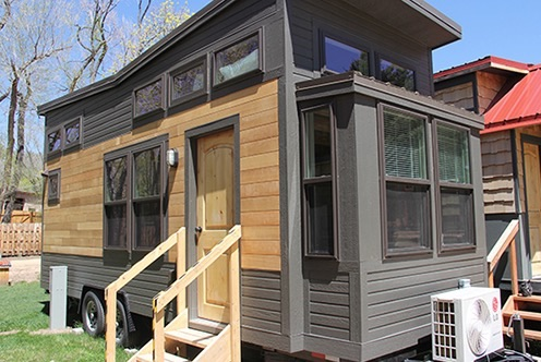 Man cave tiny house vacation for Tiny vacation homes