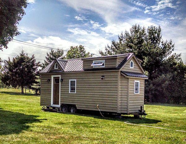 modern-farmhouse-by-liberation-tiny-homes-001