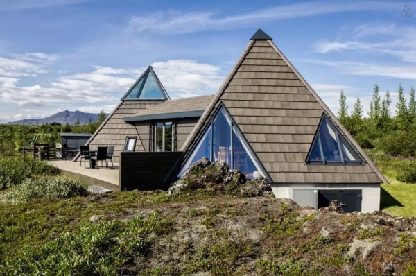 Modern Pyramid Cottage in Iceland 001