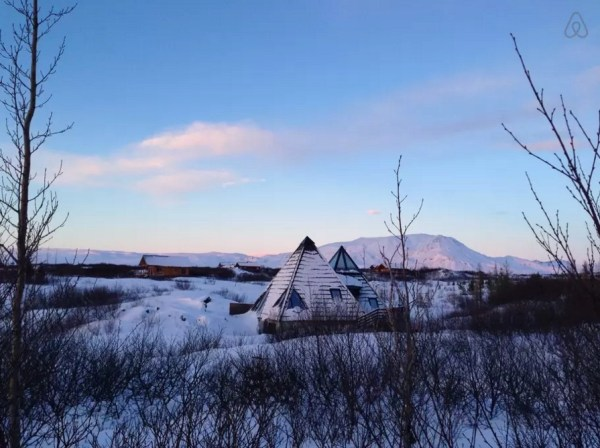 Modern Pyramid Cottage in Iceland 0029