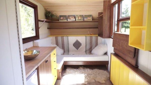 Modern Shepherd Hut Tiny House by Gute 002