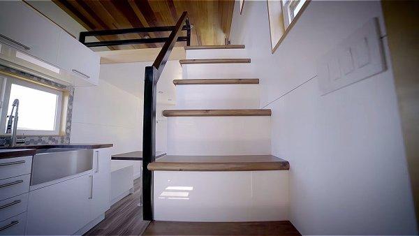 Modern Tiny House by Innovate Tiny – 28ft Catalina 0010