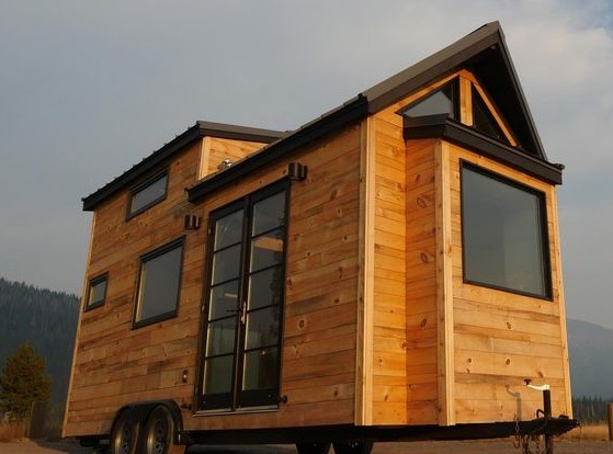 Modern Tiny House by Tongue and Groove 001