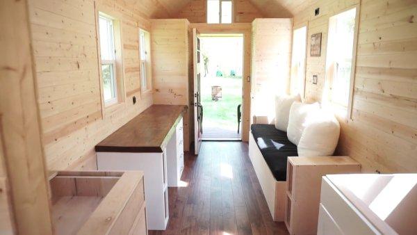 Mortgage-free Tiny House 002