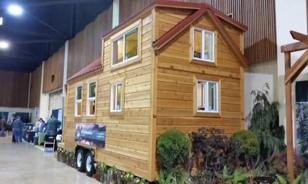 Mt-Everest-Tiny-House-004