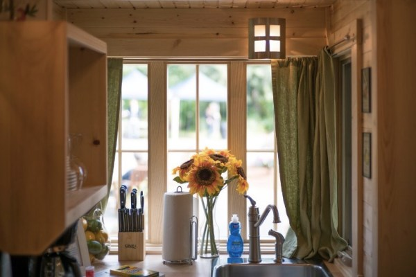 Mt Hood Savannah Tiny House Community via TinyHouseTalk-com 002
