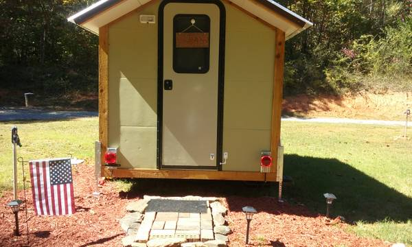 north-carolina-micro-house-on-wheels-008