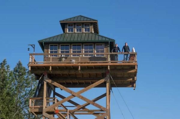 Off-Grid Lookout Tower Cabin in Tiller 001
